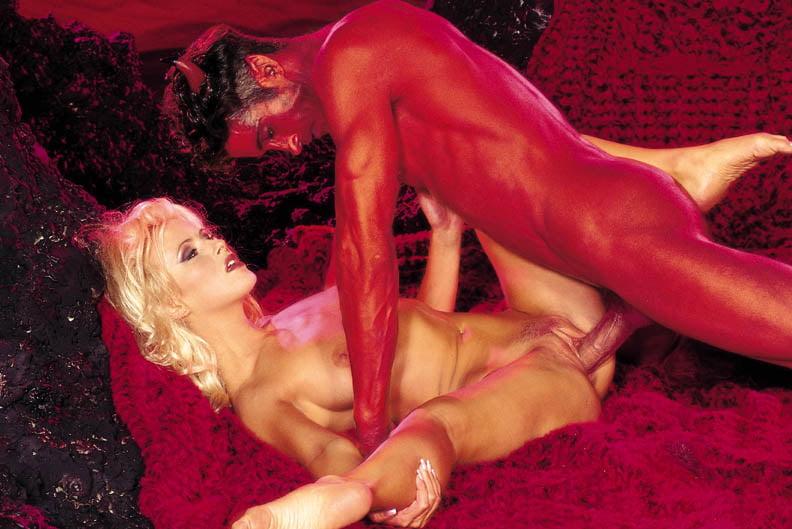 жесткие сатанинские порно фильмы один бронированный