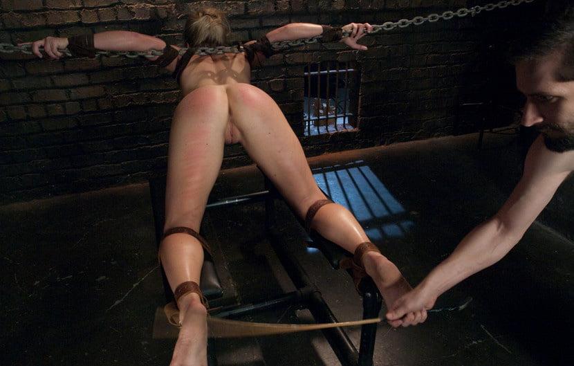 минут порево порка рабыни была одета