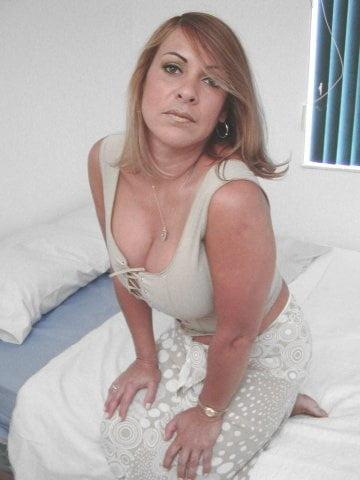Hot mature latina women-8898