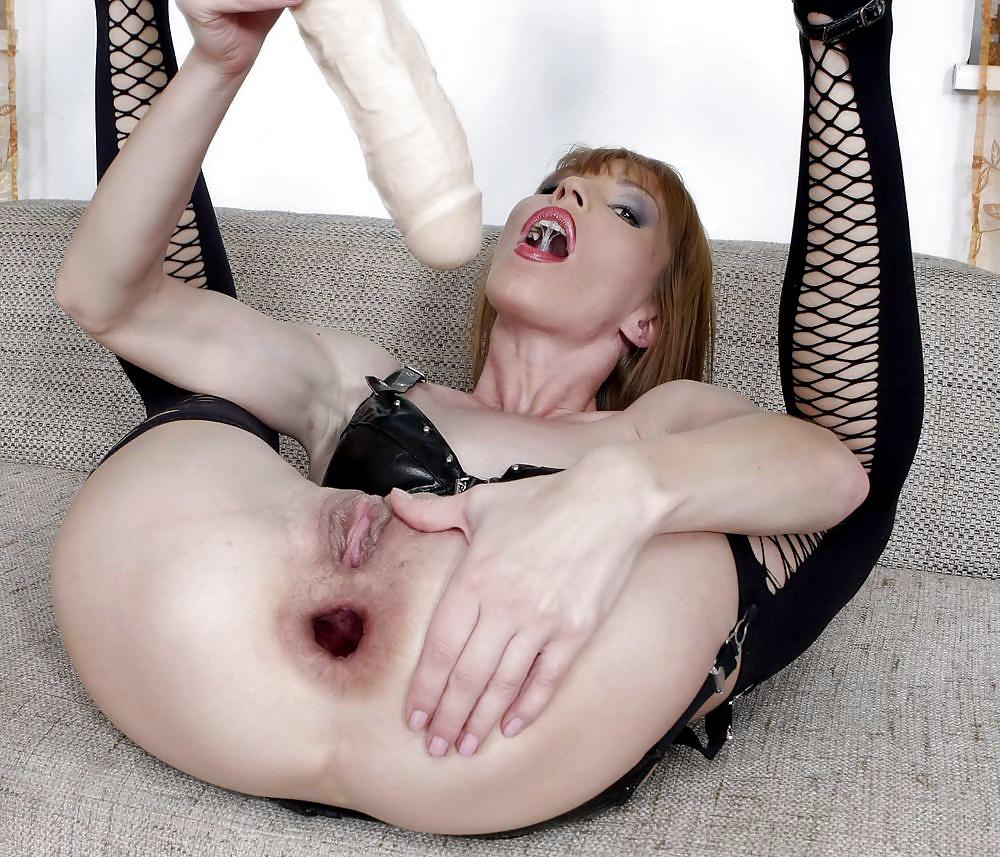both-hole-nude