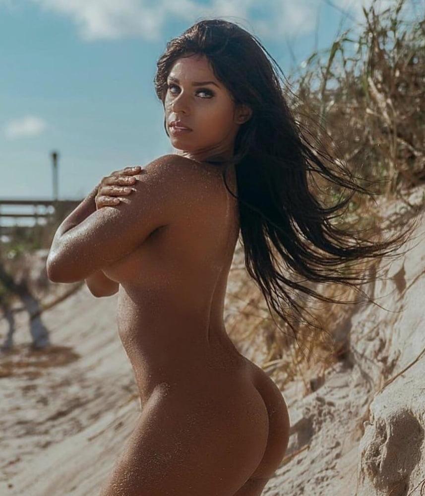 Renee Michelle Nude