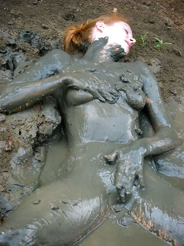 tits-muddy