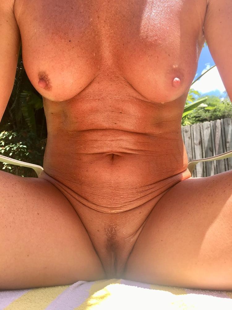 Naked females outside-9705