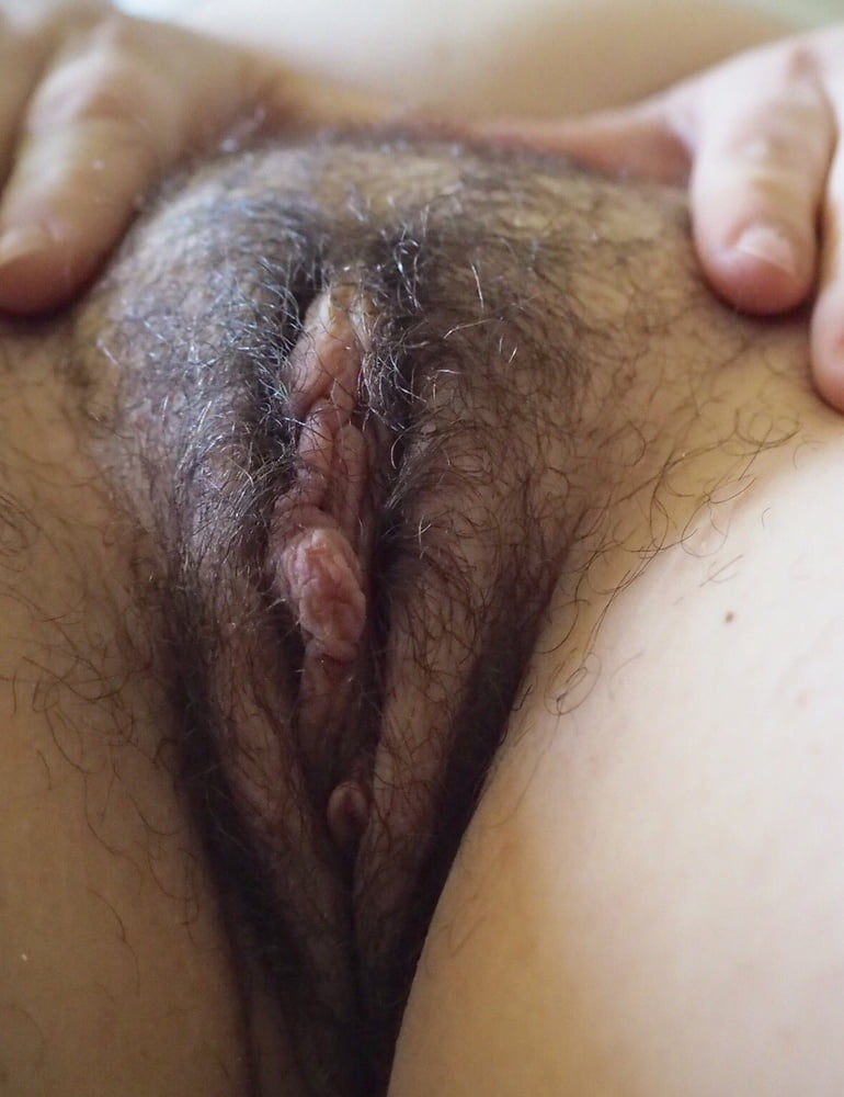 Hot wet hairy pussy video