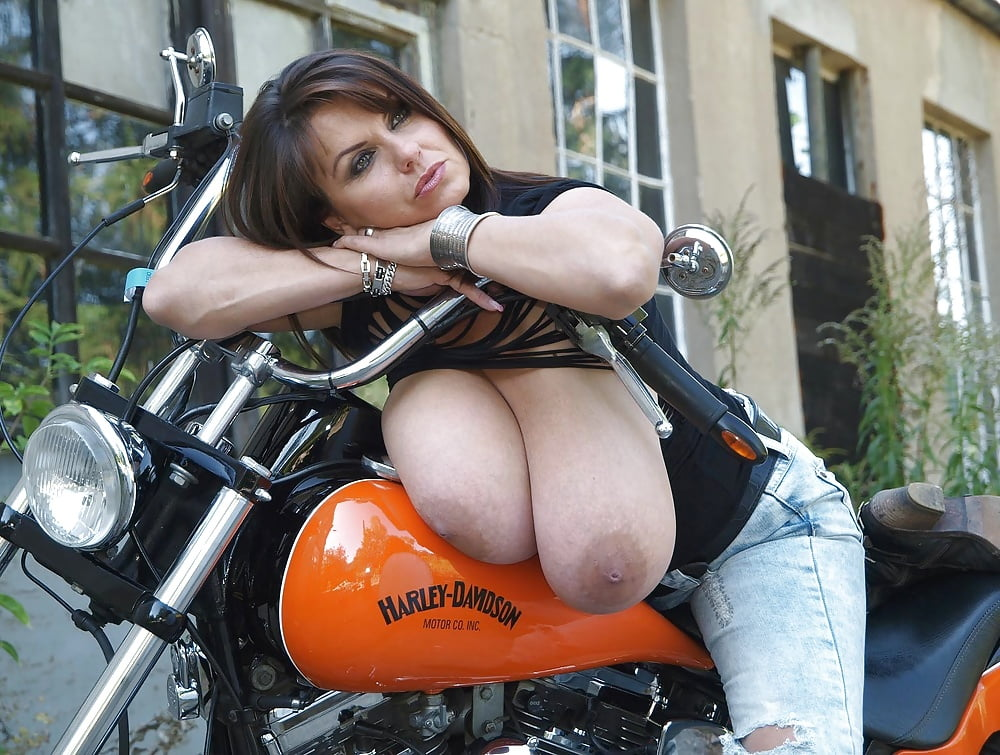biker-boobs-mathilda