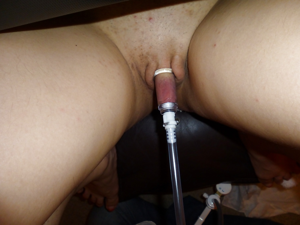 Merilyn clit and pussy pumping