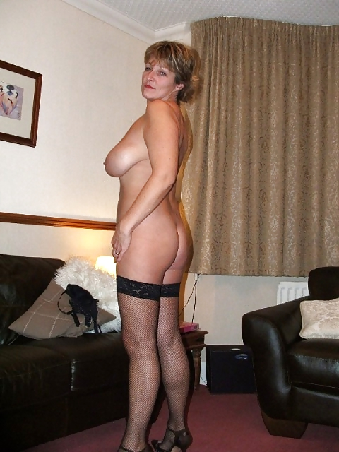 Naked wives mature-8686