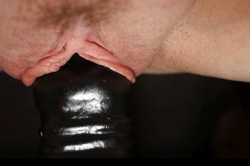 Schwarzer Riesendildo