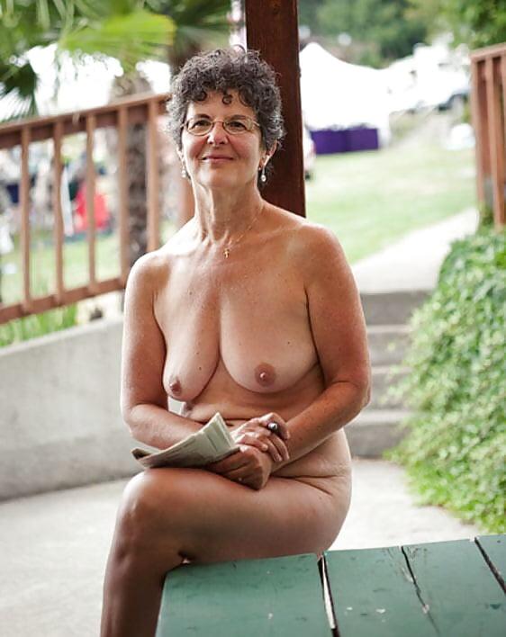 Nude natural mature pics