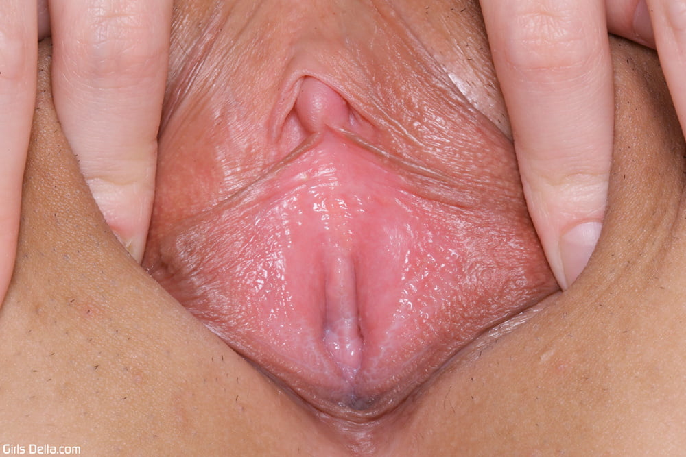 White virgin pussy up close