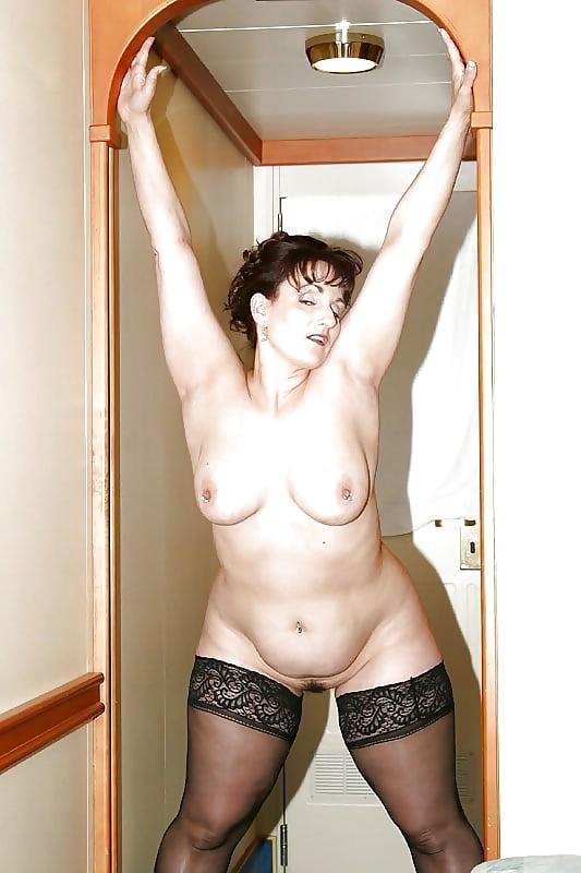 секс фото зрелых домохозяек с сочными ляжками - 9