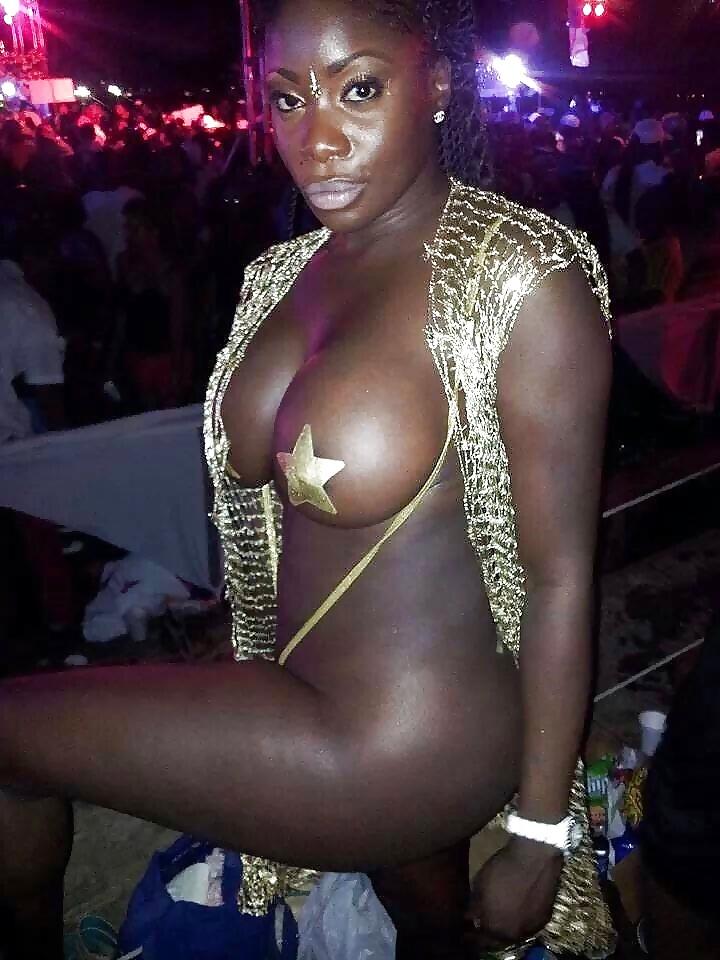 Showing porn images for ebony public fuck porn