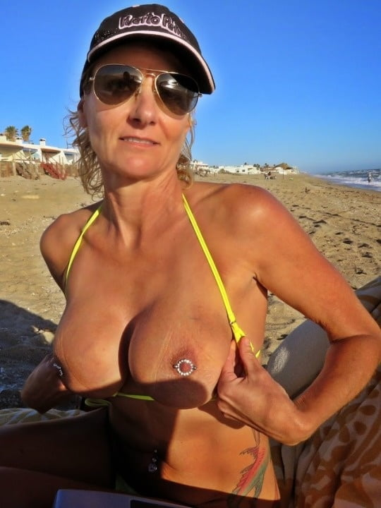 Pierced Fake Tits Whore - 174 Pics - Xhamstercom-1492