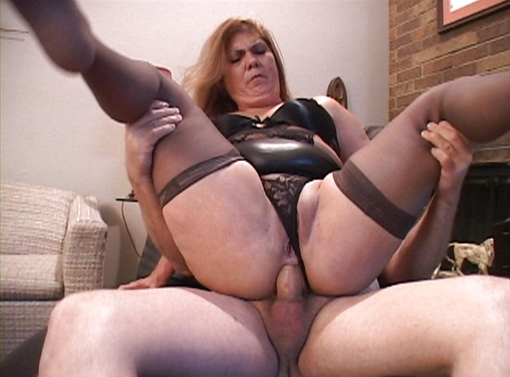 British mature slut anal