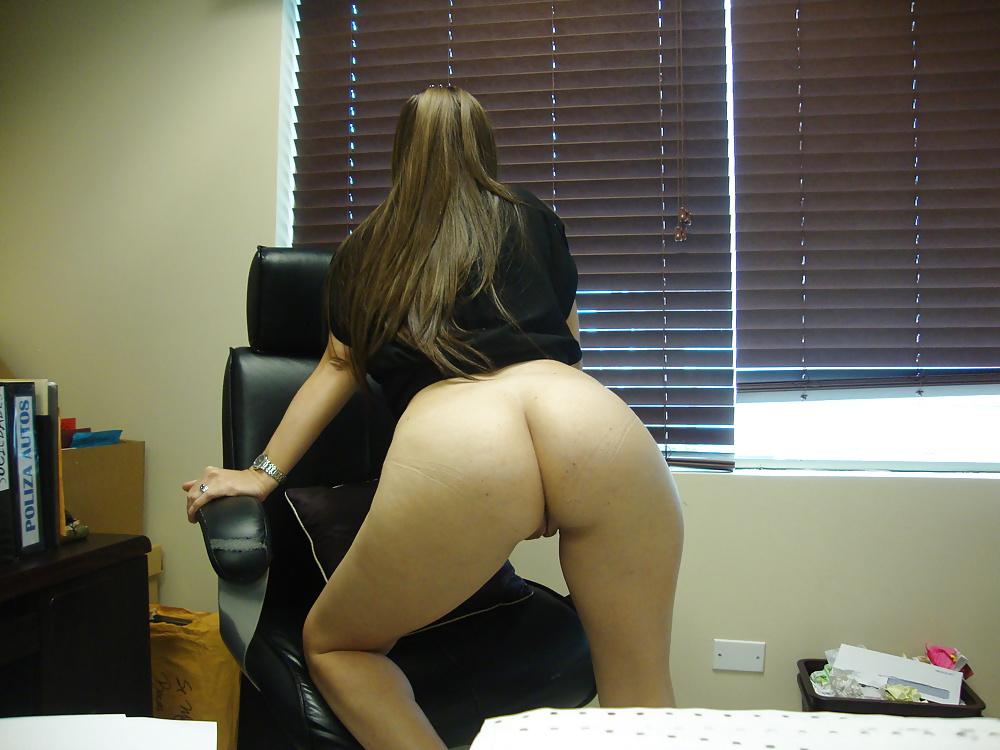 padukone-naughty-nude-at-work-bust-hentai
