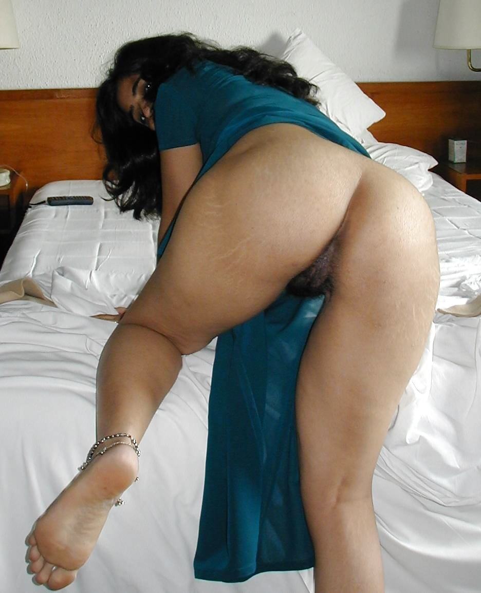Indian upskirt spy in shopping mall porn galery photo
