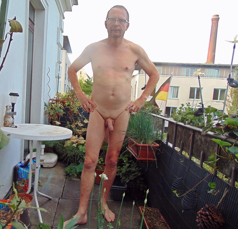 nackt zu hause