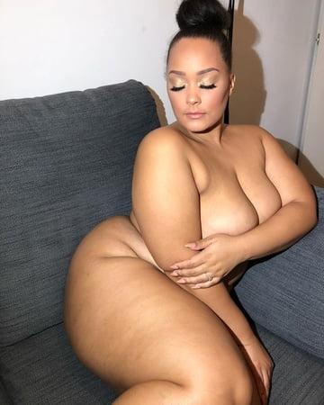 Naked Girls 18+ Cheerleader female domination