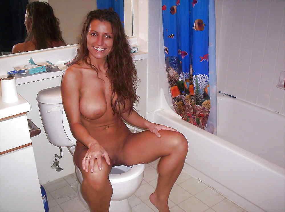 Girl Caught Naked Public