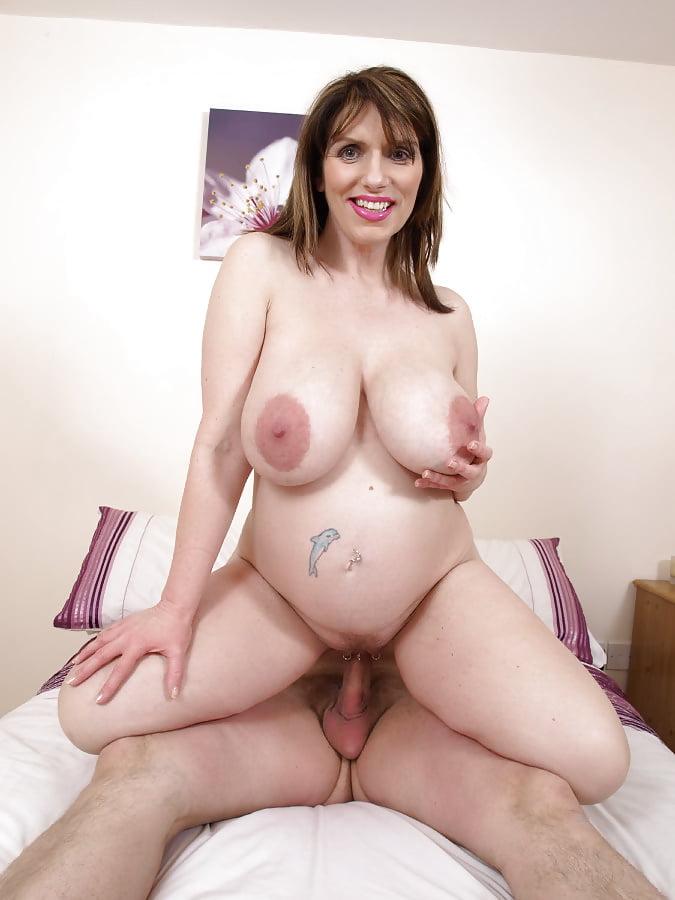 Mom massive tits gallery, pregnant girl smoking