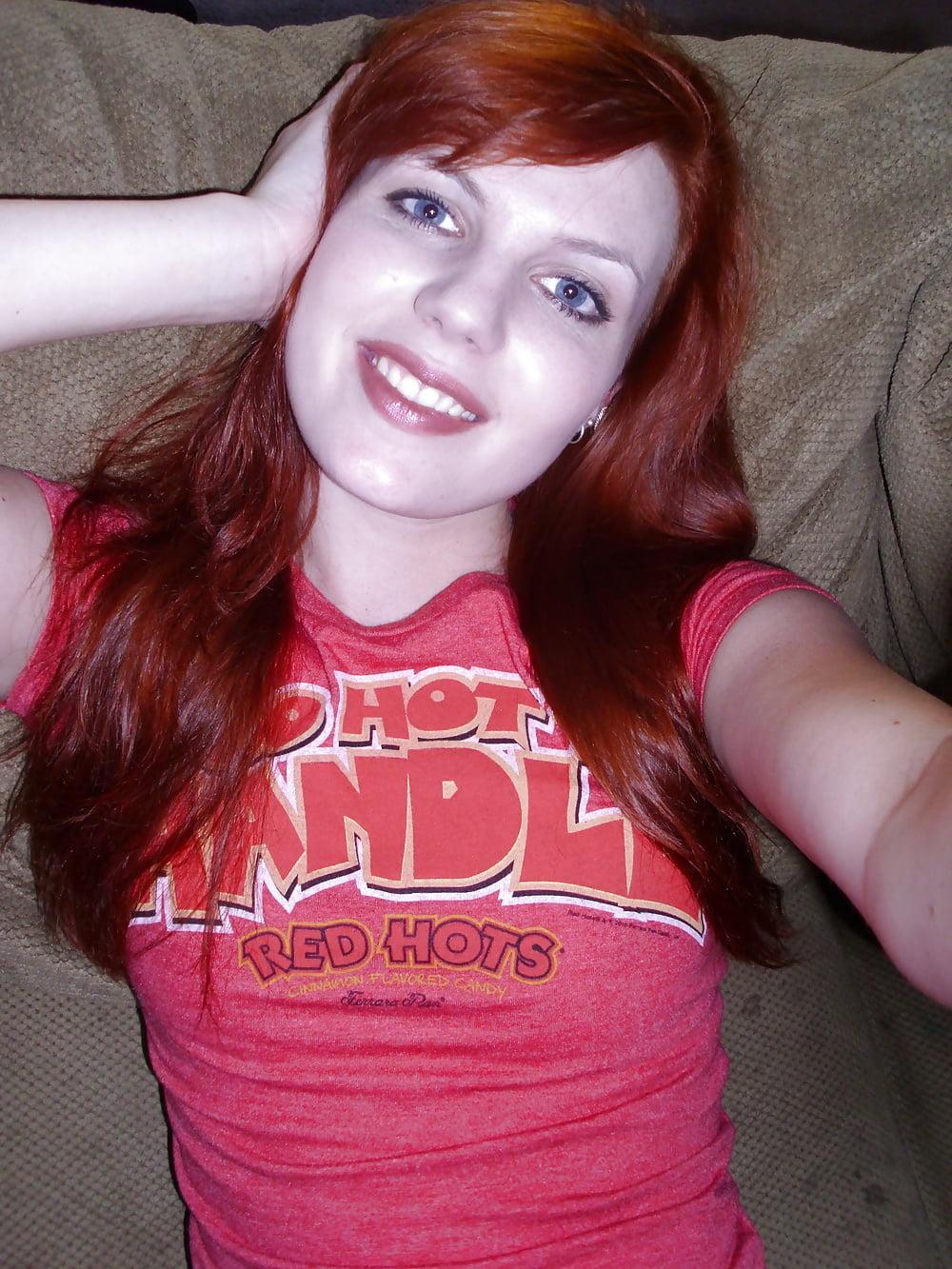 neket-real-redhead-girlfriends-vagina