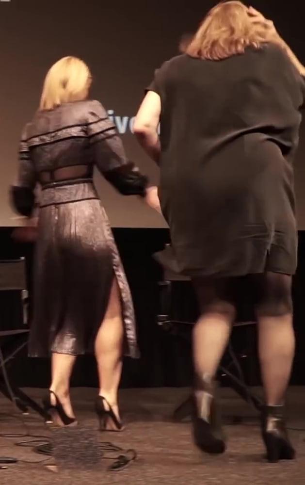 Leggy Ladies on Conference - 280 Pics