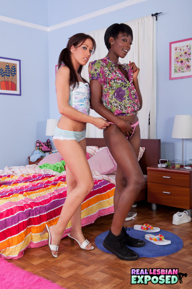 RealLesbiansExposed - Black Beauty And White Lesbian Makeout