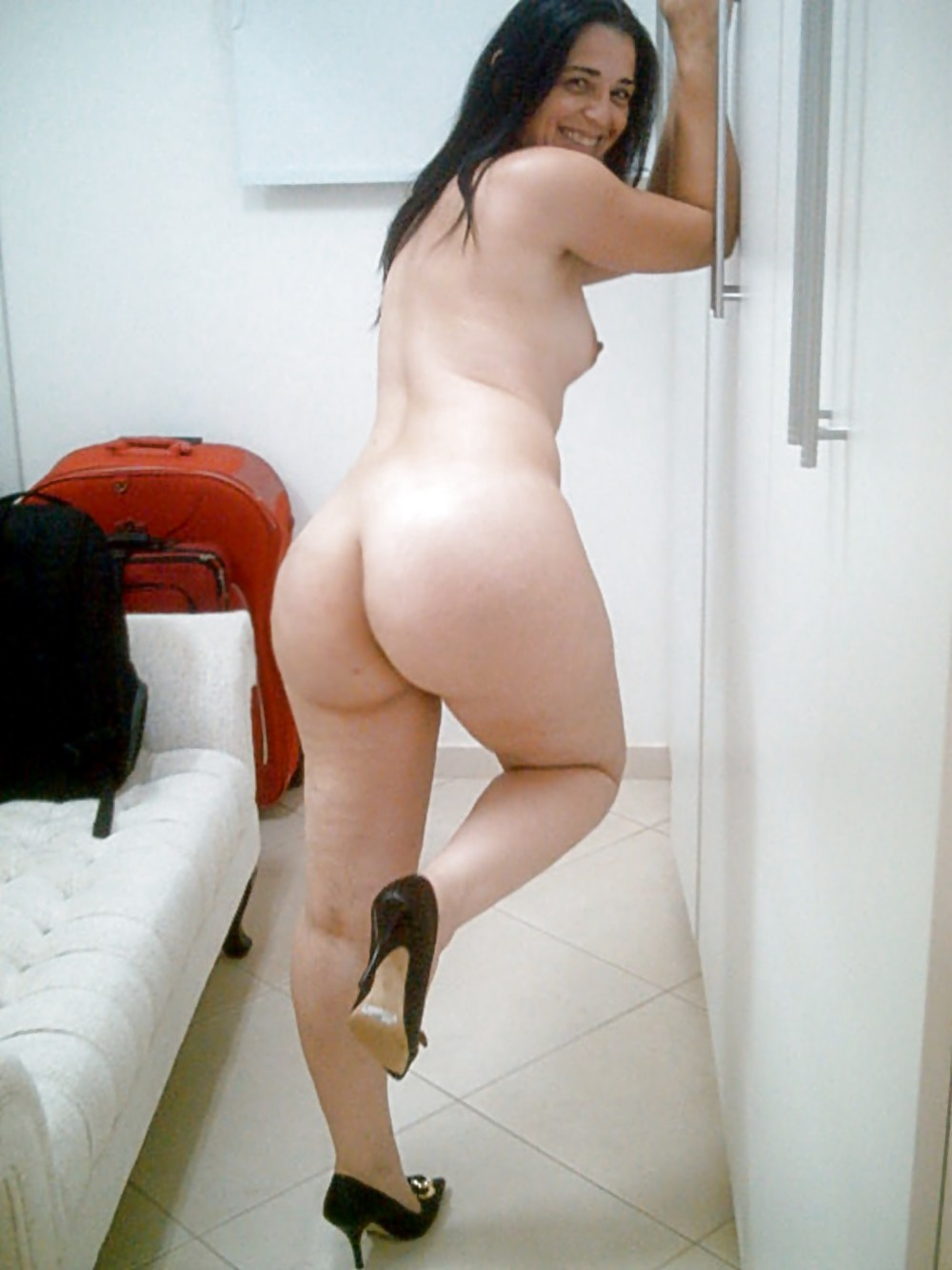 Hot naked thick wives