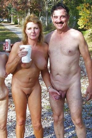 Sauna frauen nackt in Sauna Handy