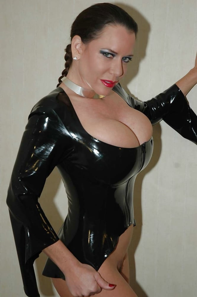 Karina Heart Dildoing In Latex Mybigtitsbabes