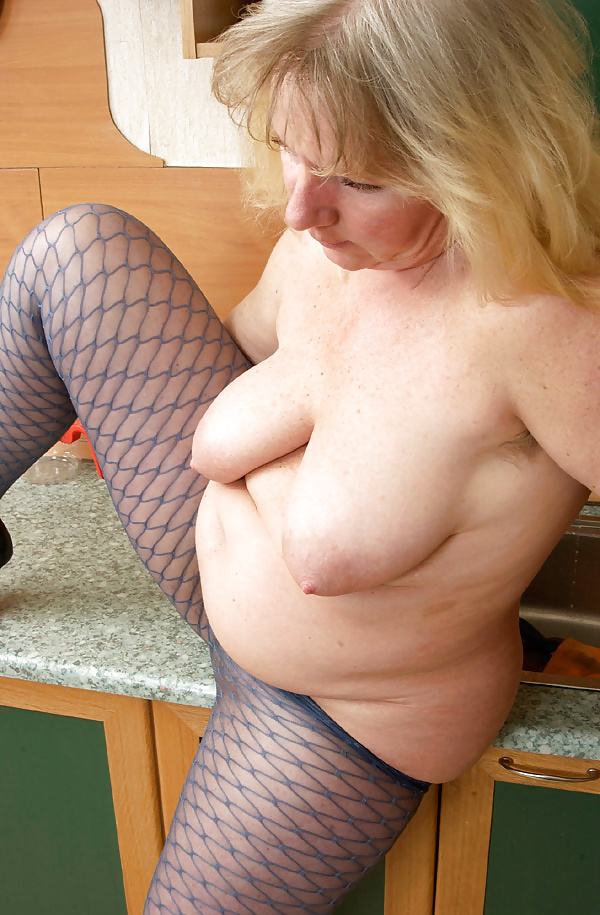 Mature tits mom-5190