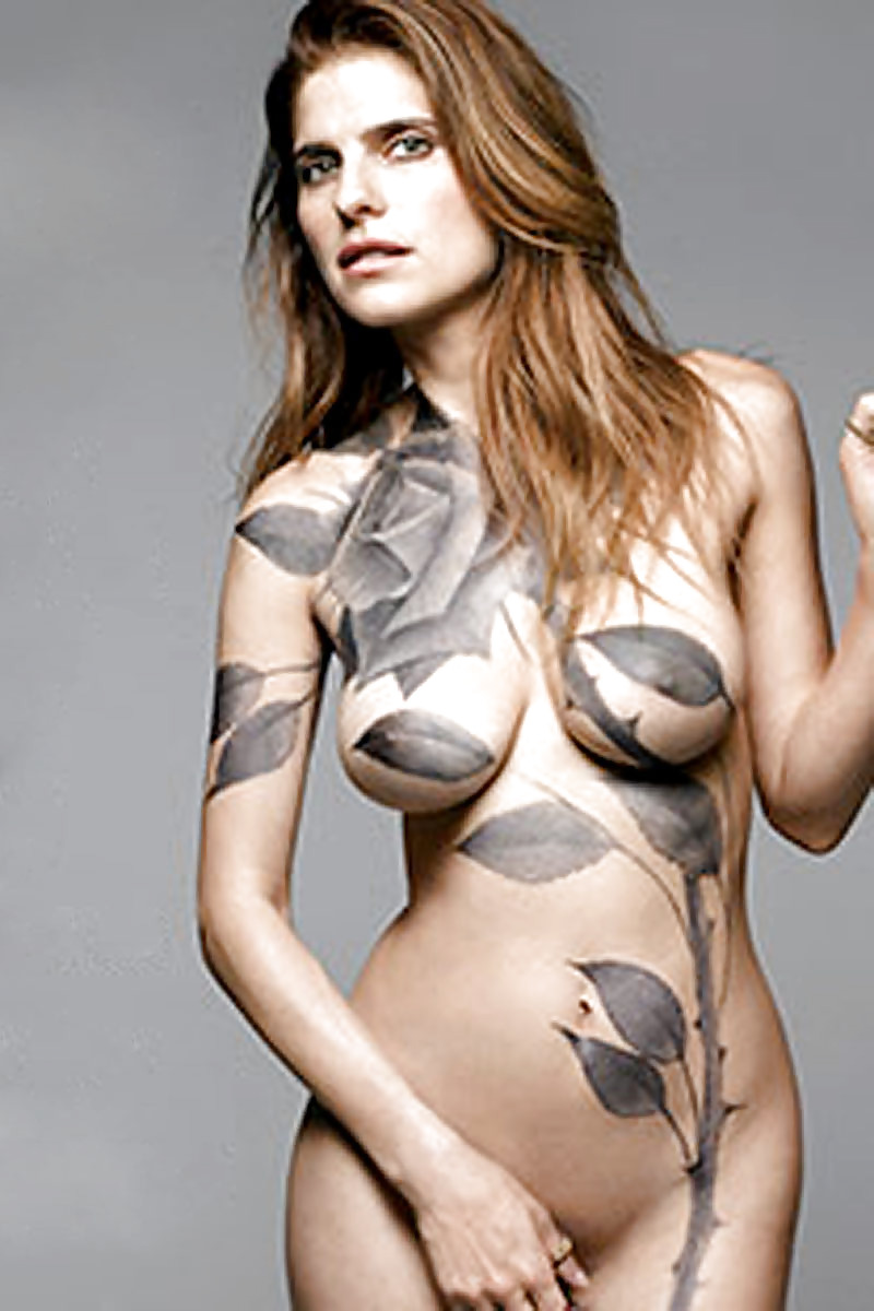 Lake Bell Exposes Her Knickers