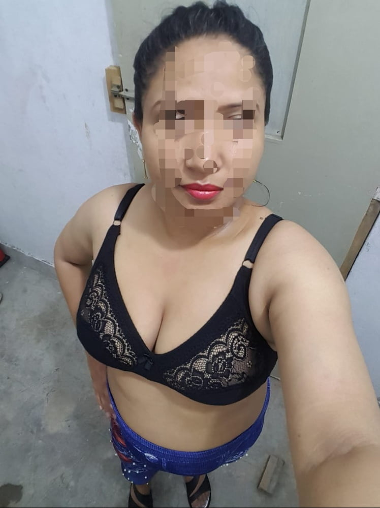 Sexy nude indian wife