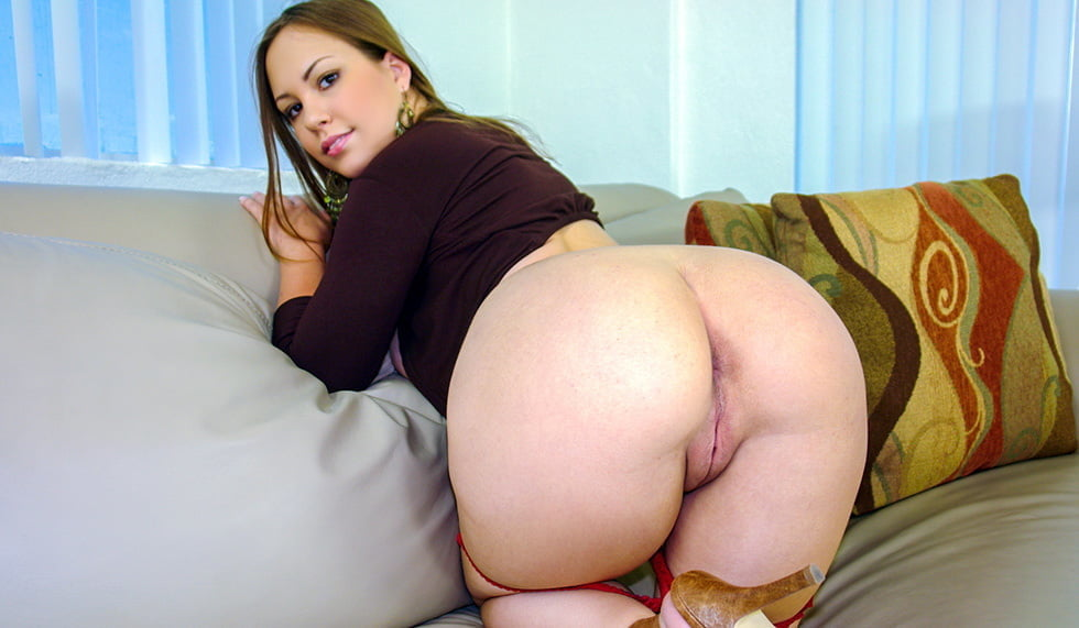 Round Ass Teen Slut Carolina Belle Fucking For Role 1