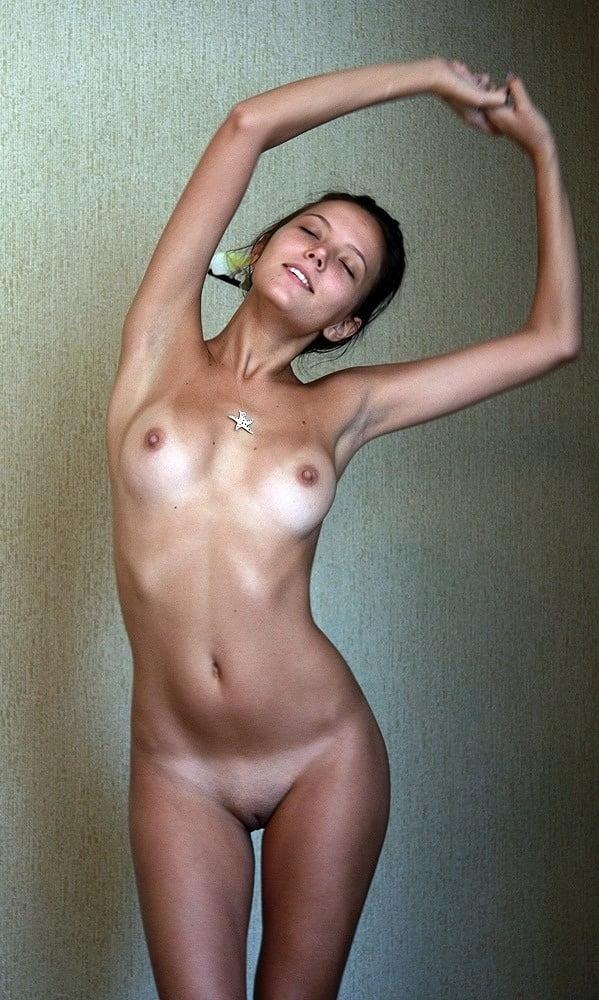 nude-skinny-tan-lines