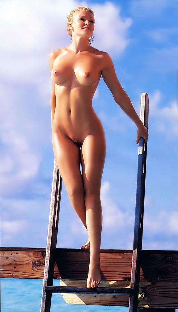 Nell Mcandrew Nude Topless Pics, Sex Scenes Leaked Photos