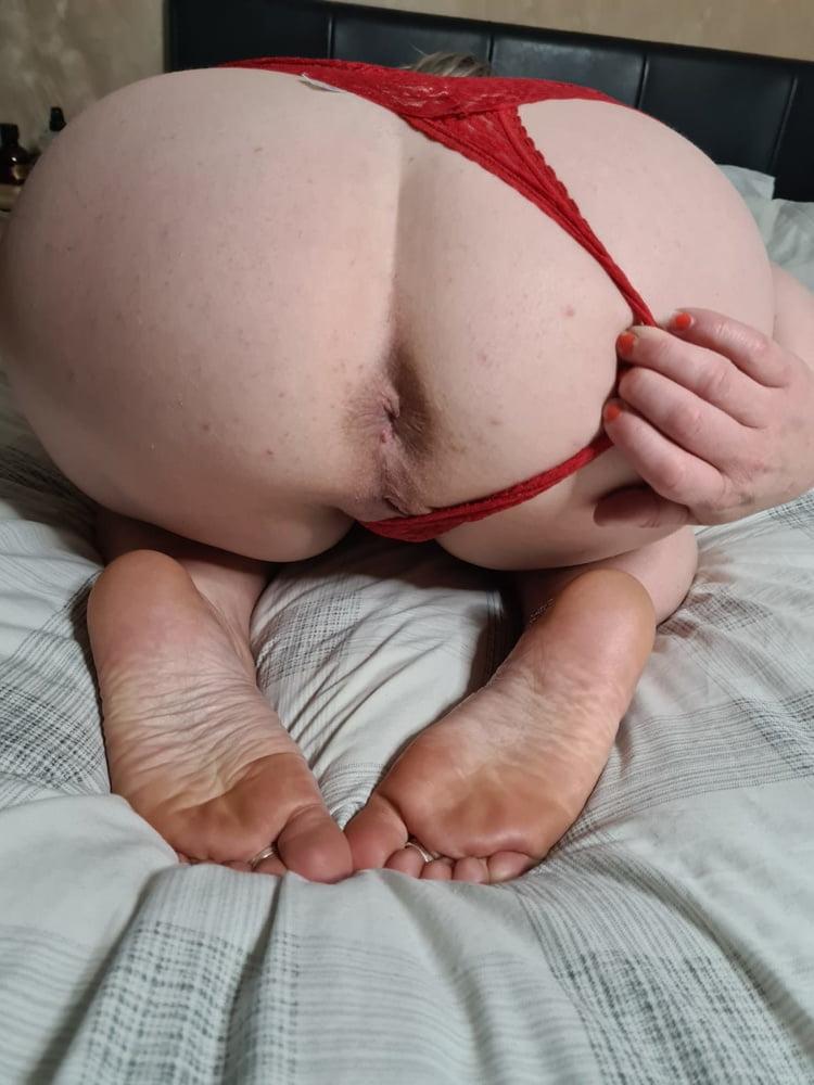 Soles dildo anal play - 25 Pics