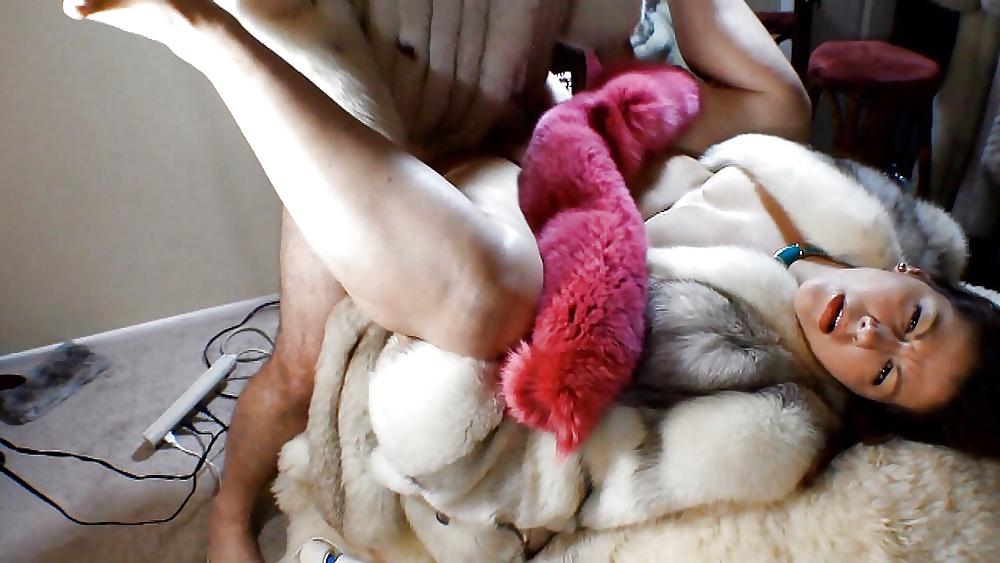 Fur coat fetish pictures