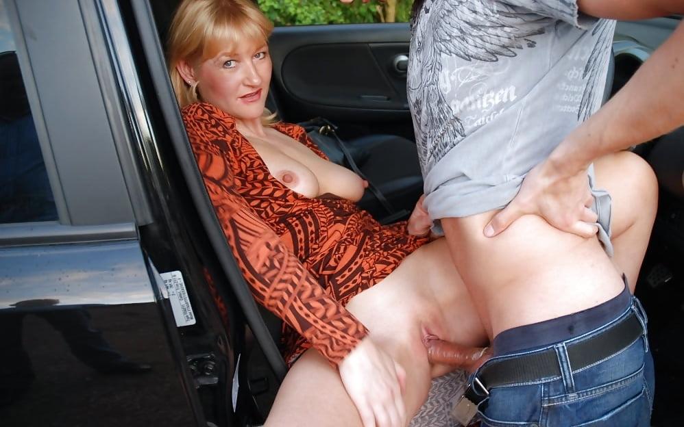 порно со зрелой по дороге остановились и трахнулись задумчиво