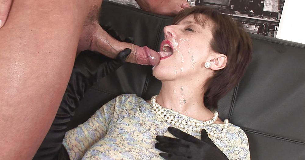 Cumming inside old lady