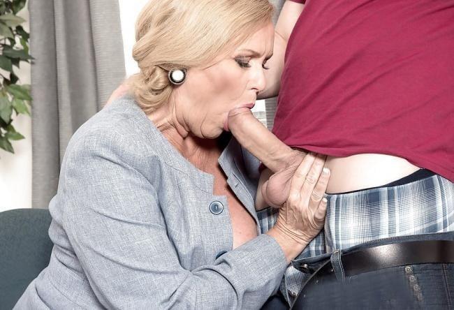 Find old ladies sucking dicks