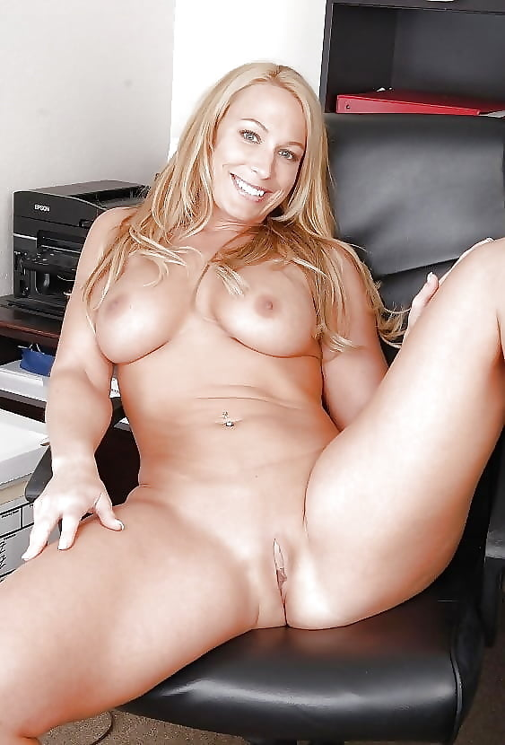 Sexylatin cougar plump sex