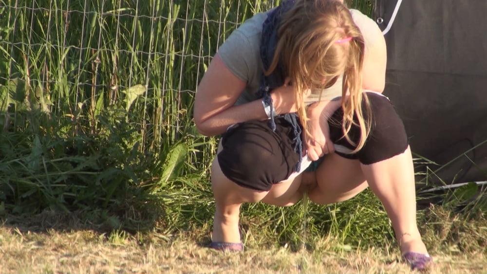 Peeing girls voyeur pictures voyeur russian #10