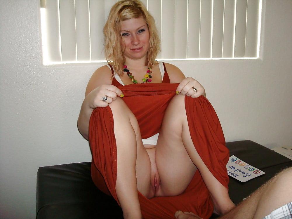 Girls flash mature crouching upskirt pics booty black