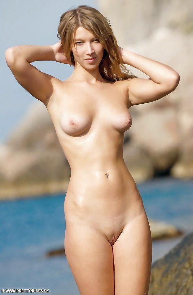 cute-naked-females