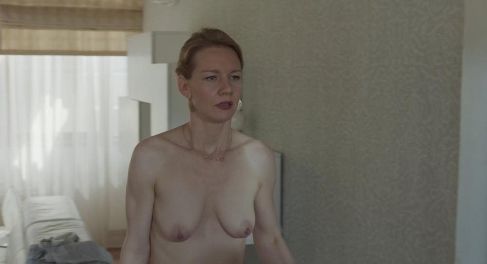 Toni nackt sandra erdmann hüller Sandra Hüller