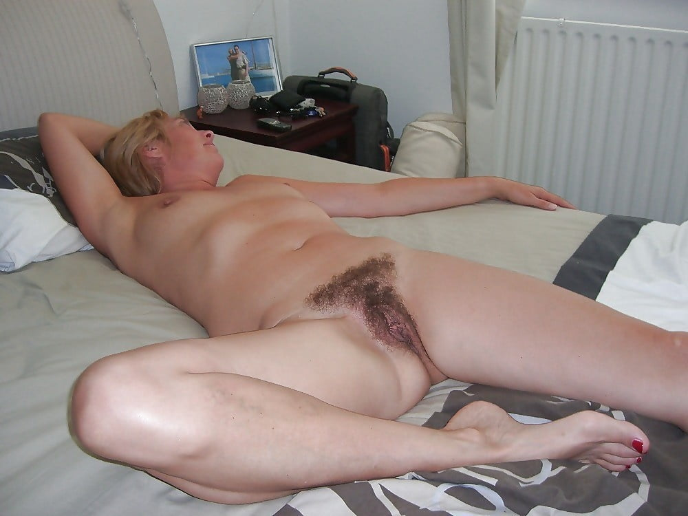 hairy-pussy-drunk-coed