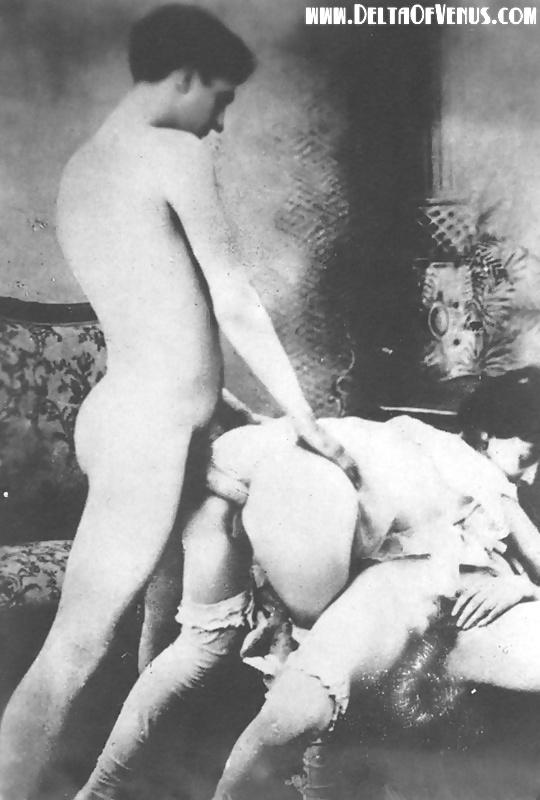 Парень сосет порно при царях толстый