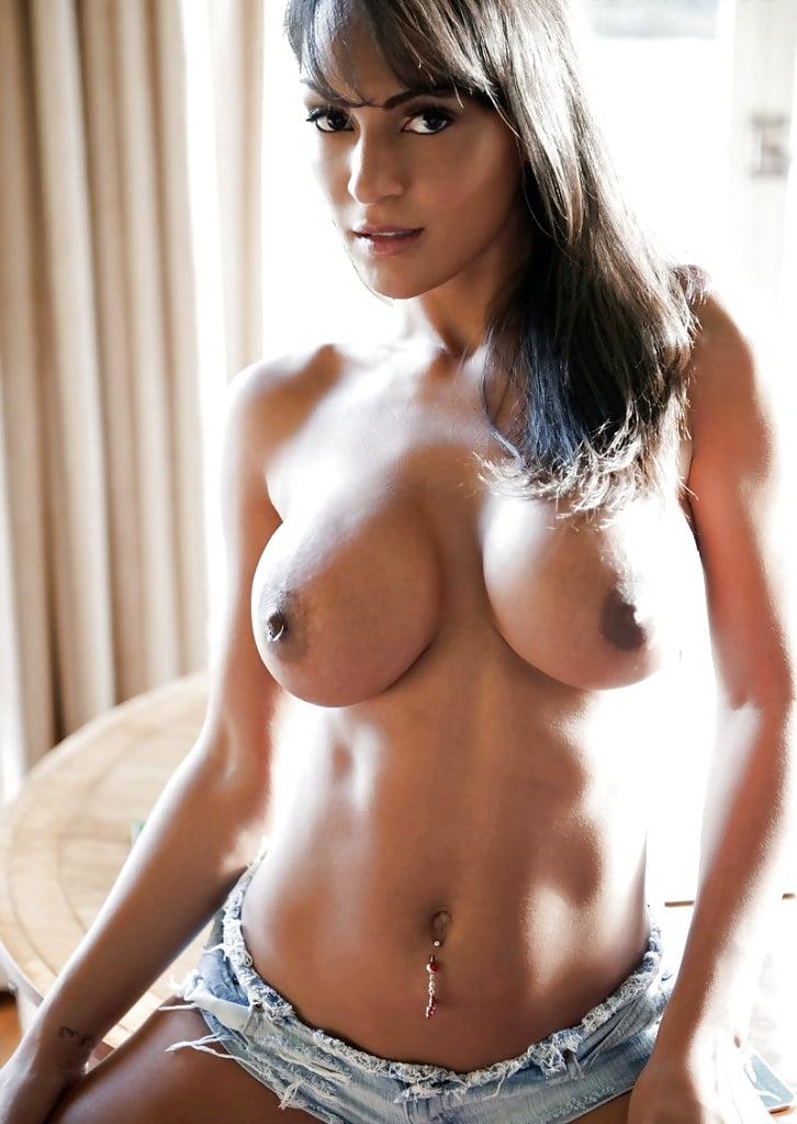 Exotic Girls Nude