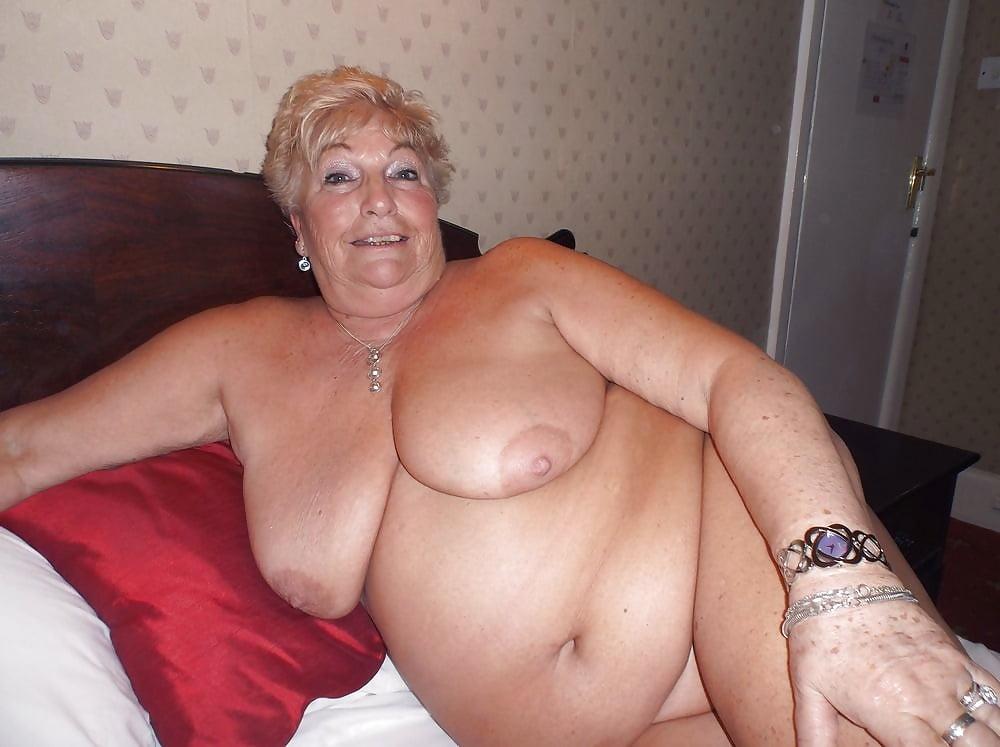 девушка старые толстые проститутки онлайн женщины